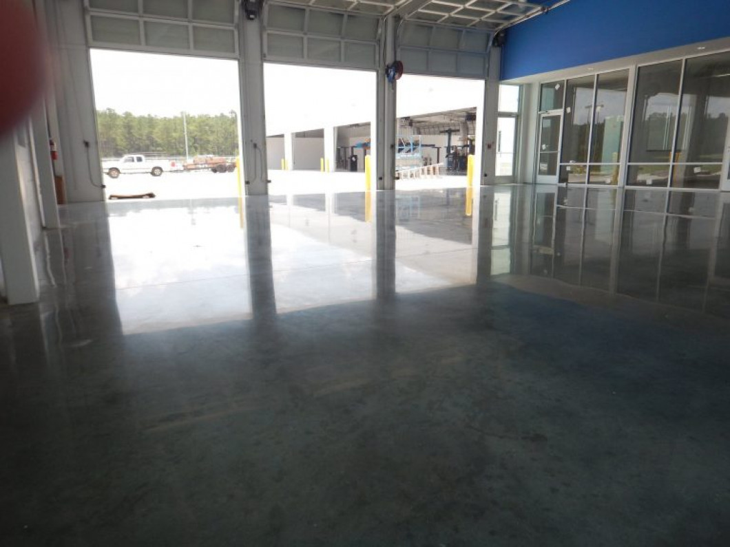 Explore Your Options for Diamond-Polished Concrete Flooring